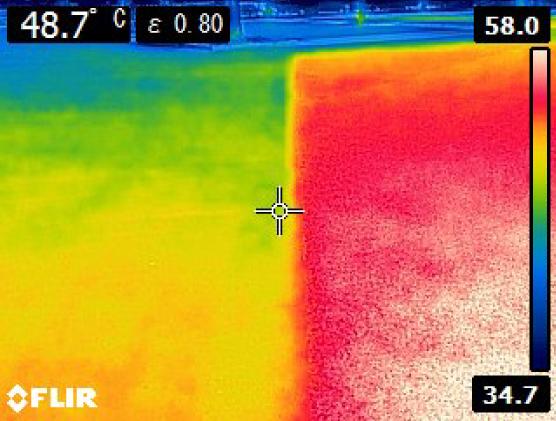 写真:サーモグラフィーによる温度比較