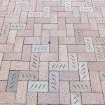 写真:ブロックパターン